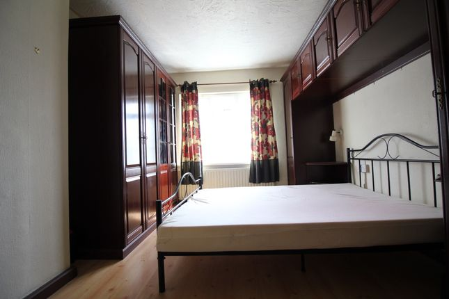 Thumbnail Terraced house to rent in Chestnut Avenue, West Drayton