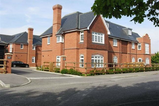 Thumbnail Flat to rent in Enborne Gate, Newbury