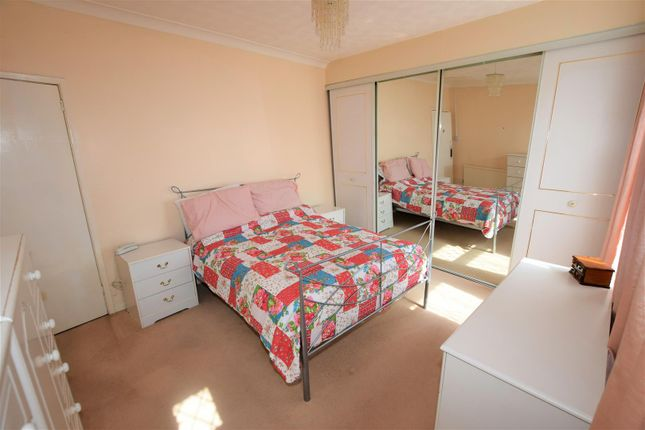 Bedroom 1 of Quarella Street, Barry CF63