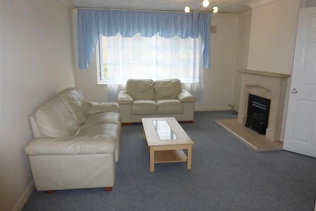 Living Room of Spring Pond Close, Chelmsford CM2