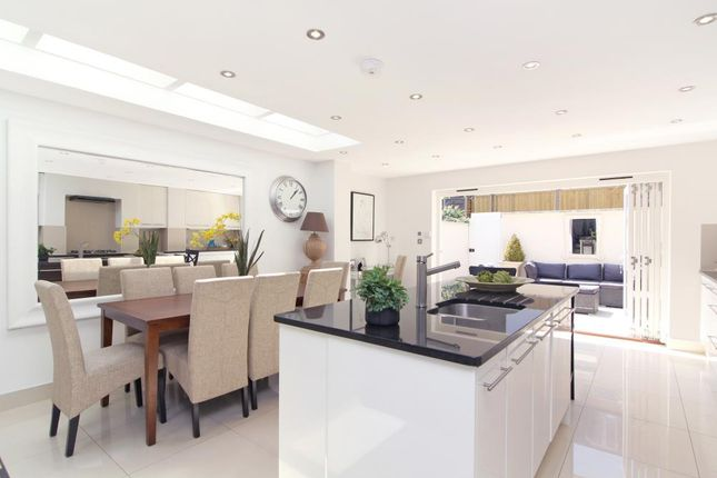 Thumbnail Terraced house for sale in Gironde Road, London