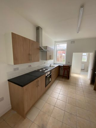 2 bed terraced house to rent in Great Central Avenue, Balby DN4