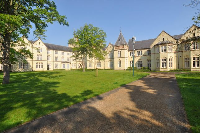 Flat for sale in Kingsley Avenue, Stotfold, Hitchin