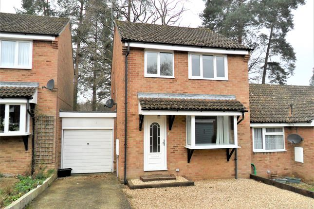 Thumbnail Link-detached house to rent in Richmond Close, Whitehill