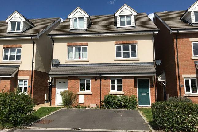 Thumbnail Semi-detached house to rent in Clockhouse Road, Farnborough