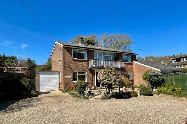 2 bed maisonette for sale in New Road, Penn, High Wycombe HP10