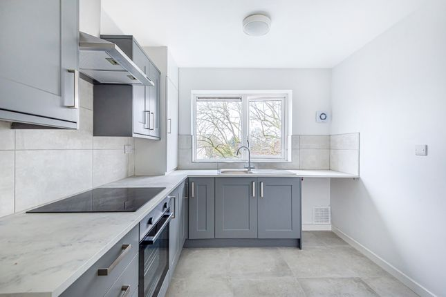 Thumbnail Flat to rent in Deacons Close, Pinner