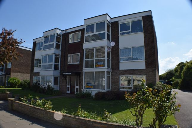 Thumbnail Flat for sale in 23 Queens House, Queens Road, Frinton-On-Sea, Essex