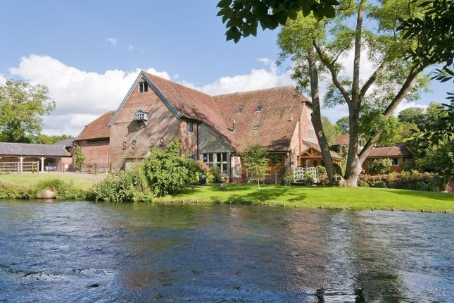 Thumbnail Semi-detached house to rent in Church Lane, Twyford, Winchester