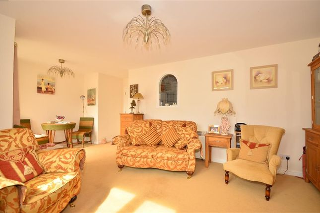 3 bed flat for sale in Medina View, East Cowes, Isle Of Wight