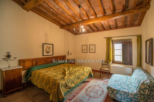 San Gimignano: 240 Ha Estate With Agriturismo And Winery
