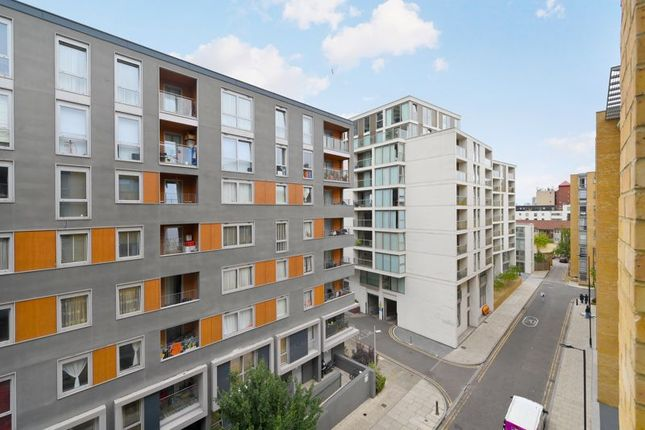 Photo 17 of Moore House, Canary Wharf E14