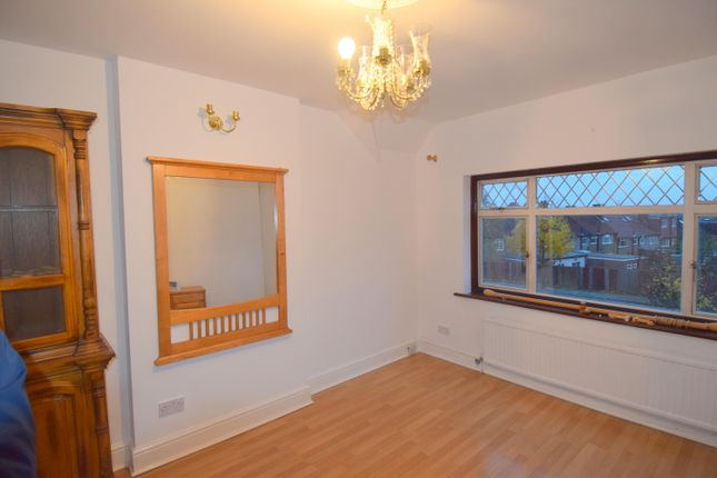 Thumbnail Maisonette to rent in Whitton Avenue, Greenford