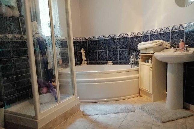 Bathroom of Gwenllian Terrace, Treforest, Pontypridd CF37