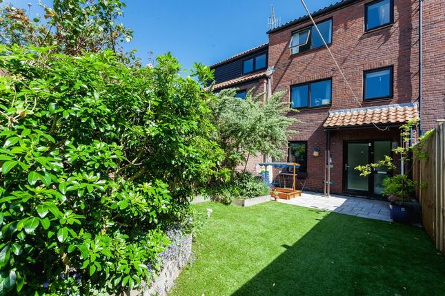 Thumbnail Property for sale in Rownham Mead, Bristol