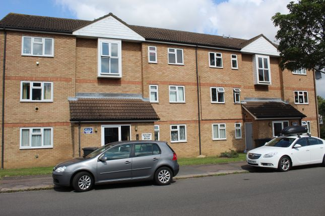 Thumbnail Flat to rent in Quilter Close, Luton