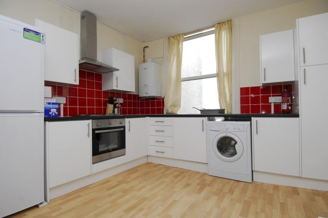 Thumbnail Flat to rent in Prospect Street, Radnor House, Flat 2, Plymouth