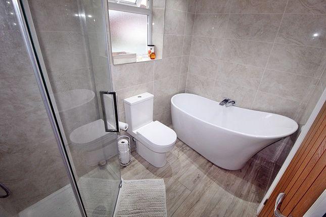 Bathroom of South Drive, Llantrisant, Pontyclun, Rhondda, Cynon, Taff. CF72