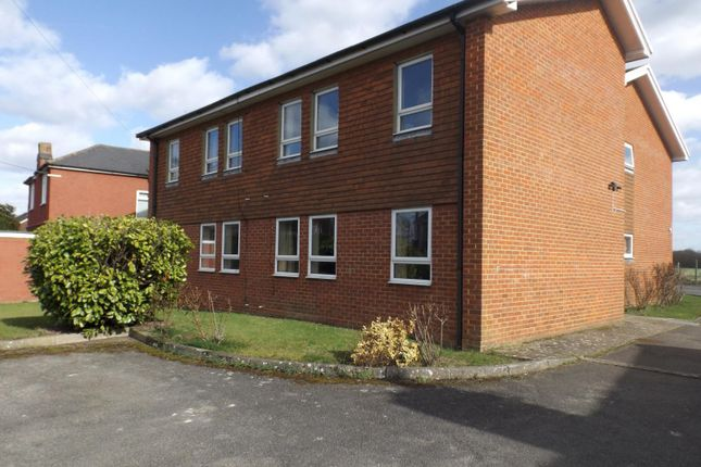 Thumbnail Flat to rent in Cates Court, East Peckham, Tonbridge