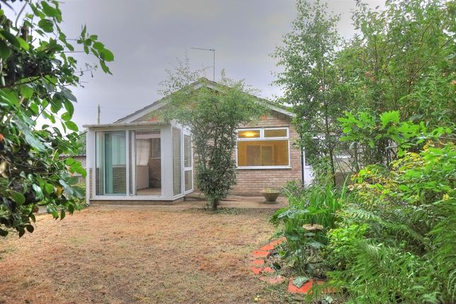 Thumbnail Detached bungalow for sale in Manor Ridge, Norwich