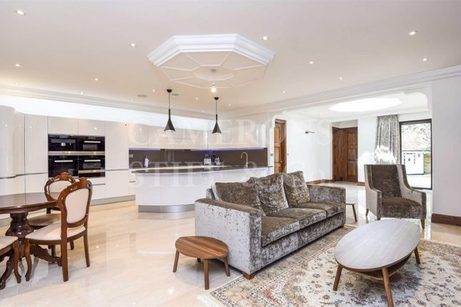 Thumbnail Detached house to rent in Brondesbury Park, Brondesbury Park