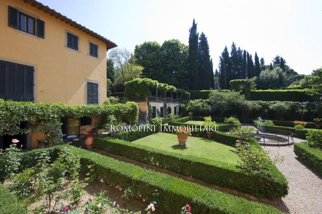 Apartment In Historic Villa For Sale In Florence, Tuscany