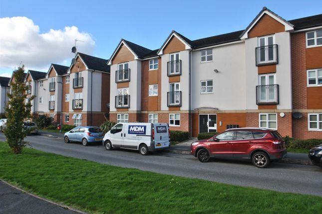 2 bed flat to rent in Clearwater Quays, Latchford, Warrington WA4