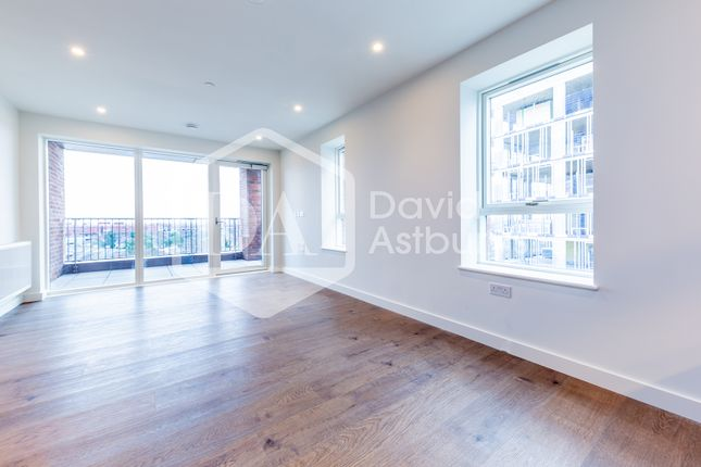 Thumbnail Flat to rent in Mary Neuner Road, Hornsey, London
