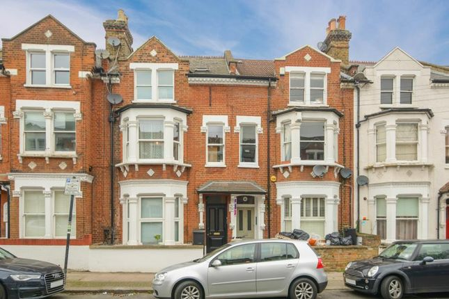 1 bed flat for sale in Comyn Road, London SW11