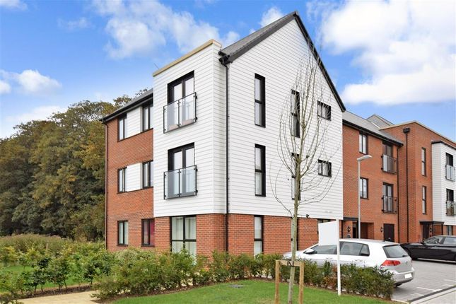 Thumbnail Flat for sale in Malpass Drive, Leybourne, West Malling, Kent