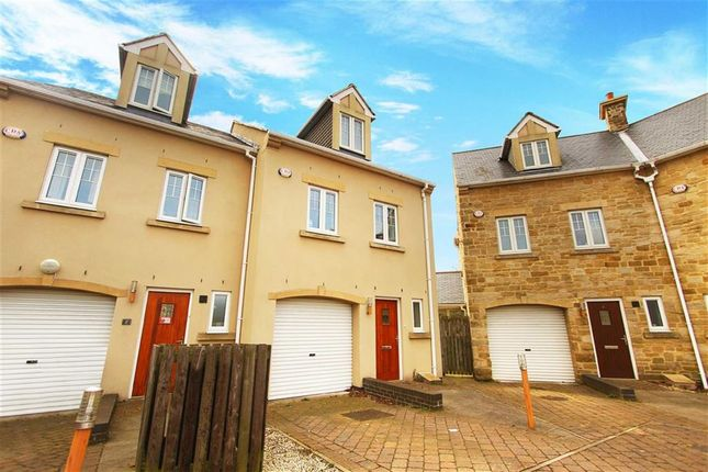 4 bed terraced house to rent in Churchill Court, Whitley Bay
