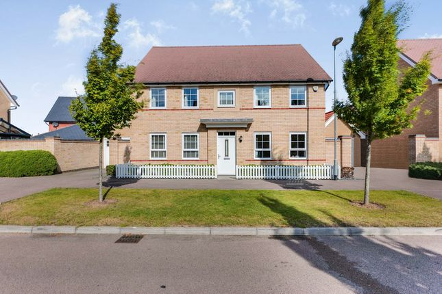 4 bed detached house for sale in Beehive Lane, Hockley SS5
