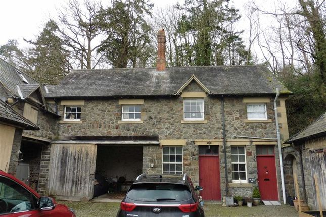 Thumbnail Flat to rent in Stable Flat, Coed-Y-Maen, Meifod, Powys