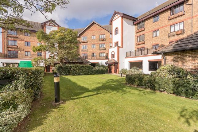 1 bed flat to rent in Sopwith Way, Kingston Upon Thames KT2