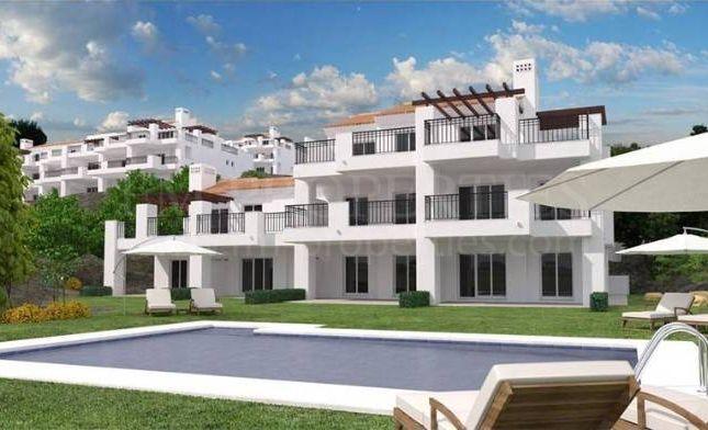Thumbnail Apartment for sale in La Mairena, Marbella East, Malaga, Spain