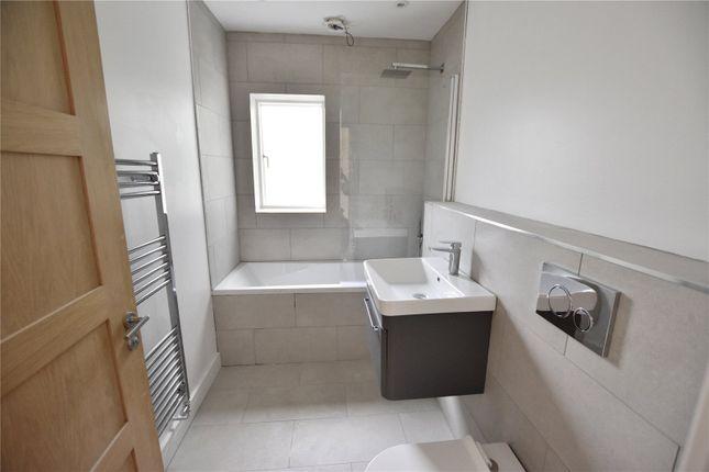 Sample Bathroom of Selsdon Road, South Croydon CR2