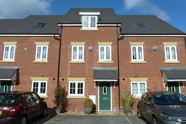 Thumbnail Mews house to rent in Hornbeam Close, Great Moor, Stockport, Cheshire