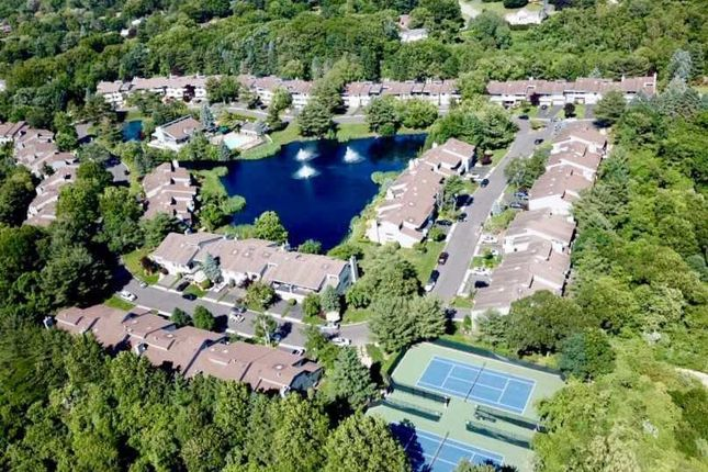 Thumbnail Apartment for sale in 40 Eagle Chase, Woodbury, Ny 11797, Usa
