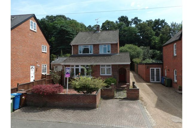 Thumbnail Detached house for sale in Forest Road, Crowthorne