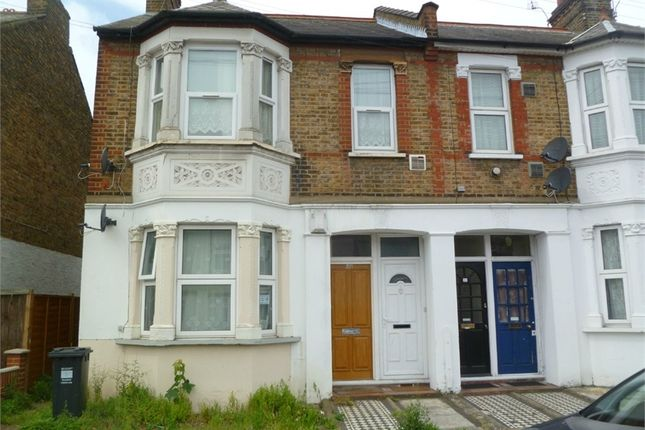 Thumbnail Maisonette to rent in Martindale Road, Hounslow, Greater London
