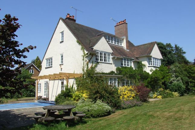 Thumbnail Detached house to rent in Swingate Road, Farnham