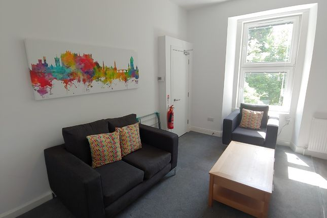 2 bed flat to rent in Bruce Street, Stirling Town, Stirling FK8