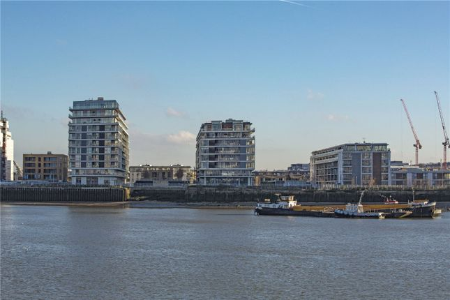 Picture No. 35 of Wyndham Apartments, 60 River Gardens Walk, Greenwich, London SE10