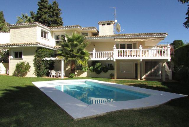 5 bed villa for sale in Spain, Málaga, Benalmádena