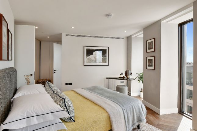 Picture No. 06 of Hexagon Apartments, Parker Street, London WC2B