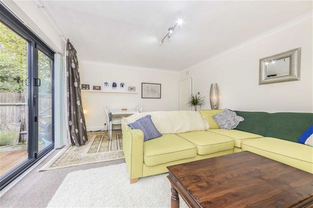 Thumbnail Flat for sale in Culverden Road, Balham