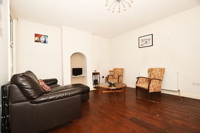 Thumbnail Semi-detached house to rent in Furzeham Road, West Drayton