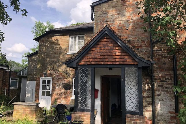 Thumbnail Property to rent in Bowling Green, Stevenage, Hertfordshire
