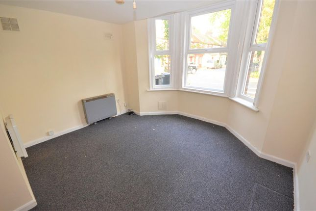 1 bed flat to rent in Brantwood Road, Luton LU1
