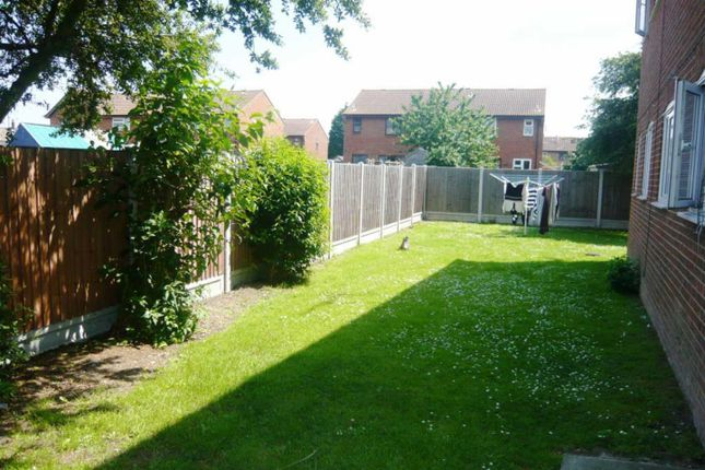 1 bed flat to rent in Burns Place, Tilbury RM18